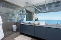 Những phòng tắm đáng ghen tị của người nổi tiếng