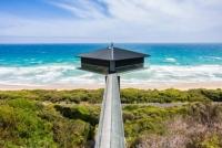 Căn nhà tiện nghi 'bồng bềnh' trên mặt biển