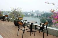 Khu vườn trên mái đẹp như công viên ở Hà Nội